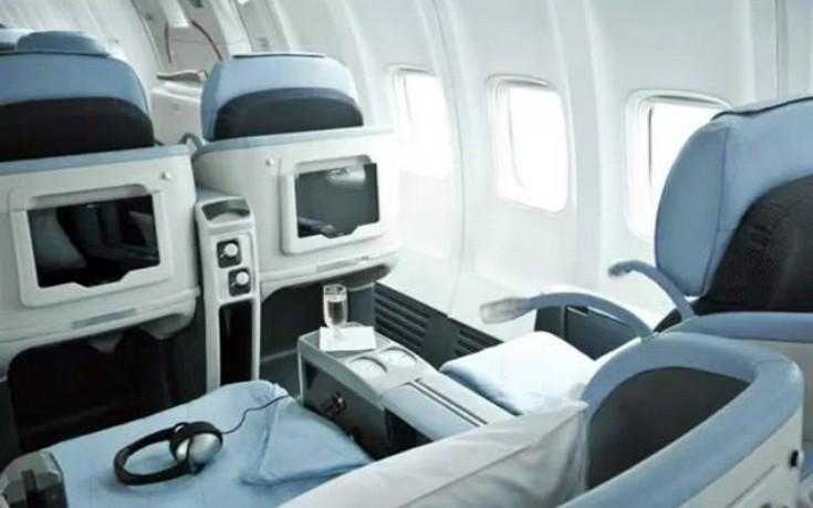 Καρέκλες που κάνουν μασάζ και tablet για όλους τους επιβάτες
